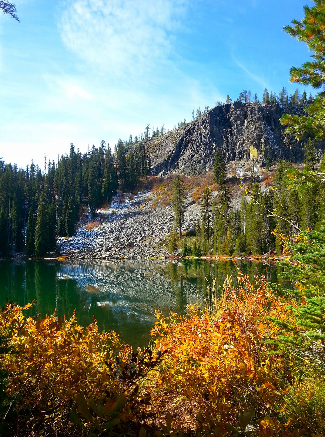 Lakes - Hiking in Southern Oregon - Travel Southern Oregon - What to do - Things to do