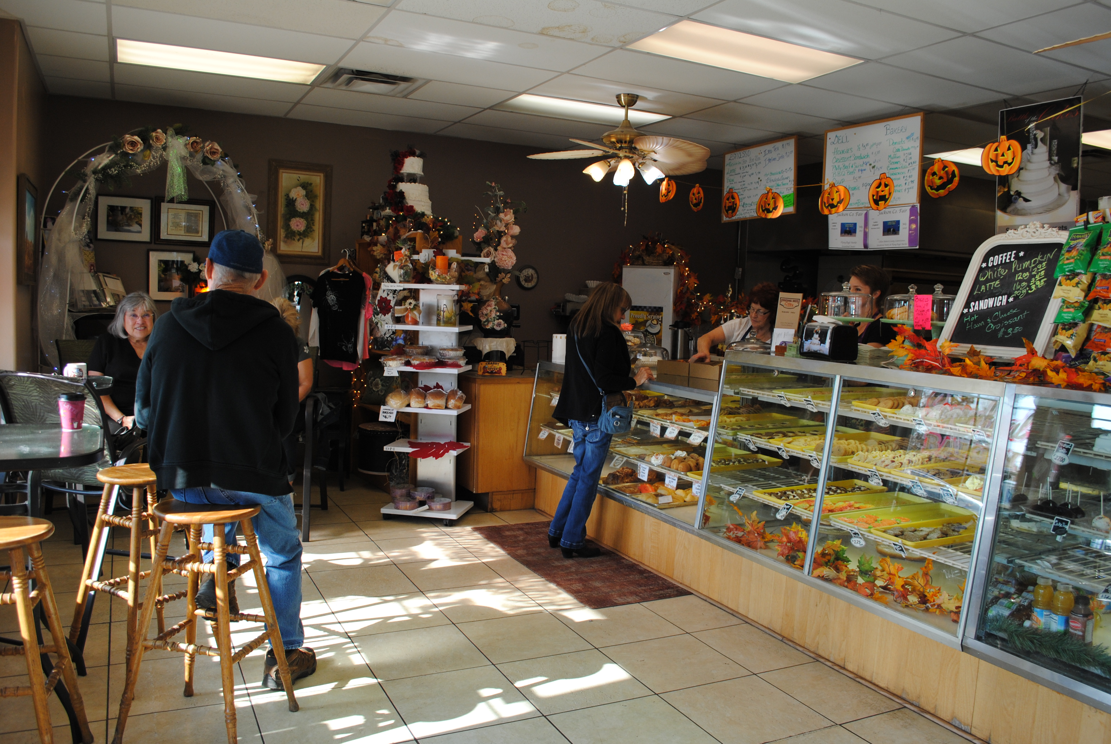 Sensational Sweets - Where to eat in Eagle Point - Travel Southern Oregon- What to do - Things to do