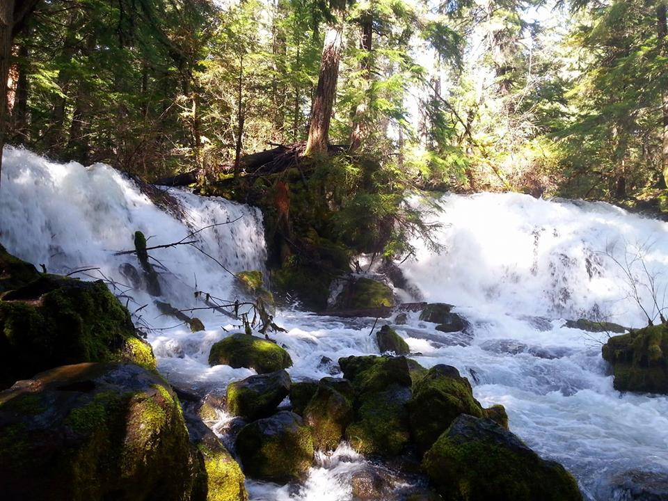 Waterfalls - Hiking in Southern Oregon - Travel Southern Oregon - What to do - Things to do
