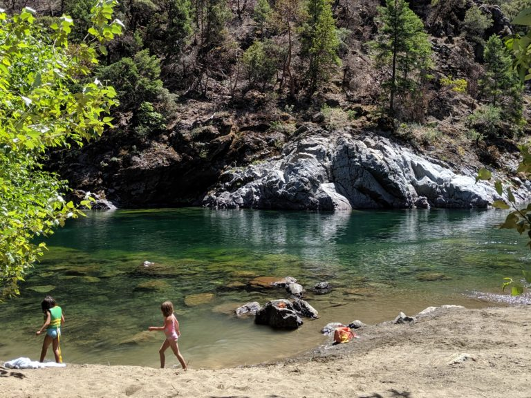 ILLINOIS RIVER - Travel Southern Oregon - What to do