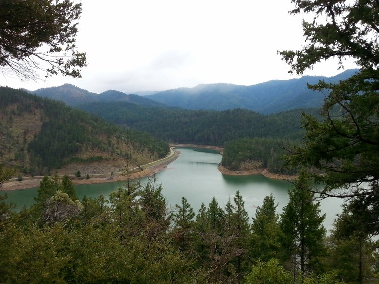 Applegate Lake - Travel Southern Oregon - What to do - Jacksonville - hiking