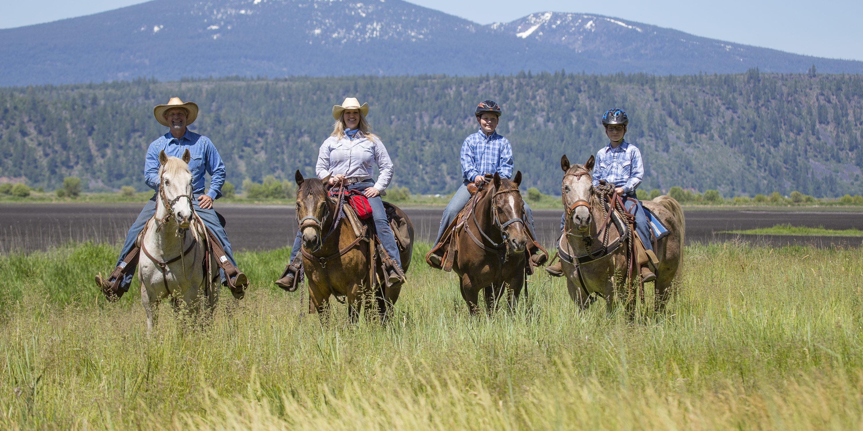 HorsebackRidingRd2-RY17-25